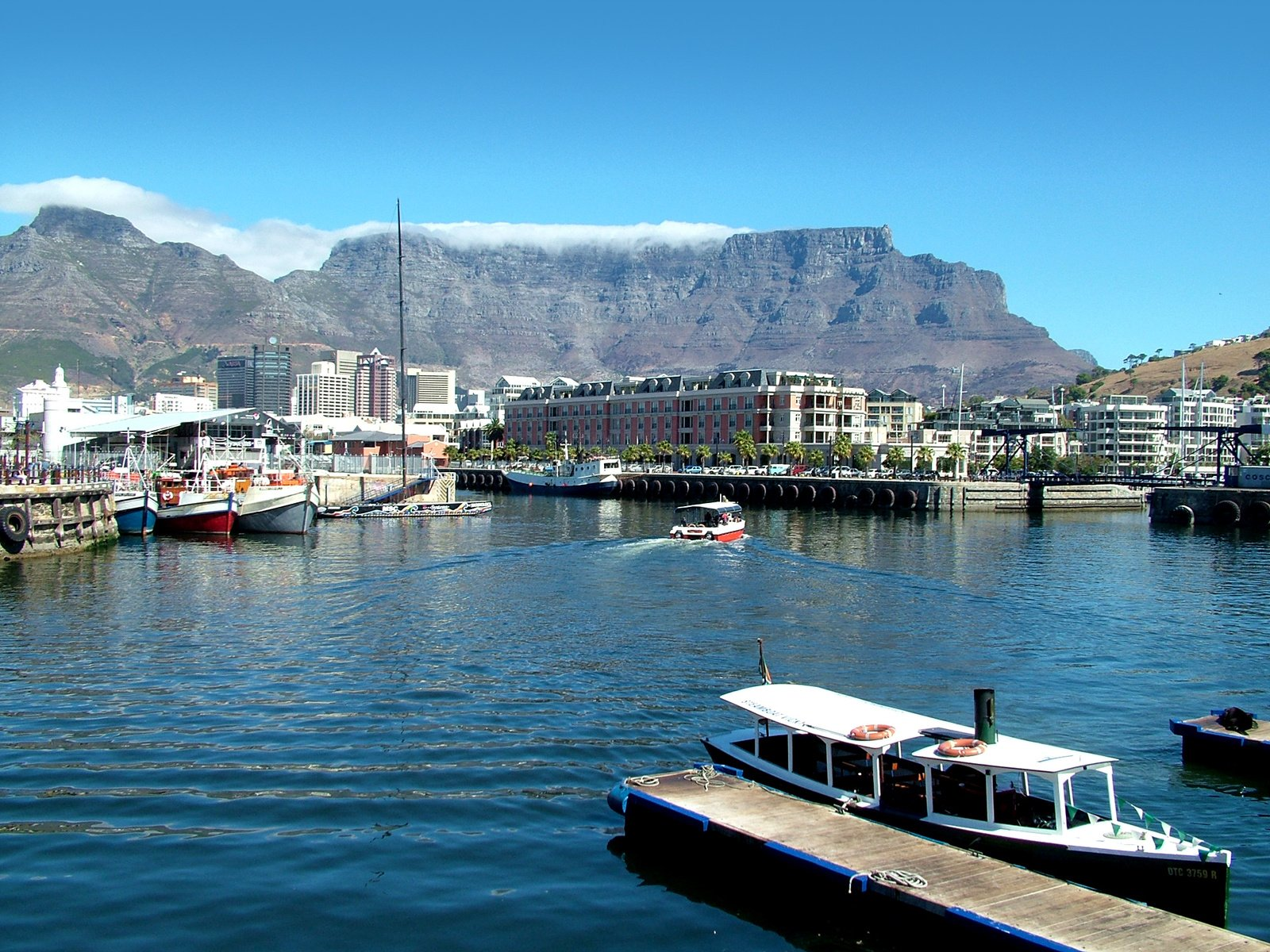 cape-town-table-mountain-1231043